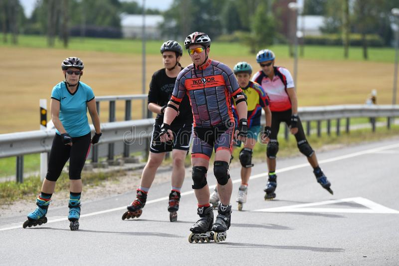 Tartu/Estonia - 26 de agosto de 2018: Maratón patinador en línea de Tartu fotos de archivo libres de regalías