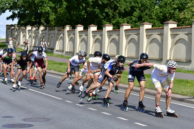 Tartu/Estonie - 25 août 2019 : 13e Marathon de patinage en ligne de Tartu photo libre de droits