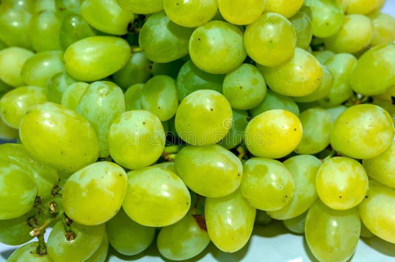 Tas des raisins verts et jaun?tres photos libres de droits