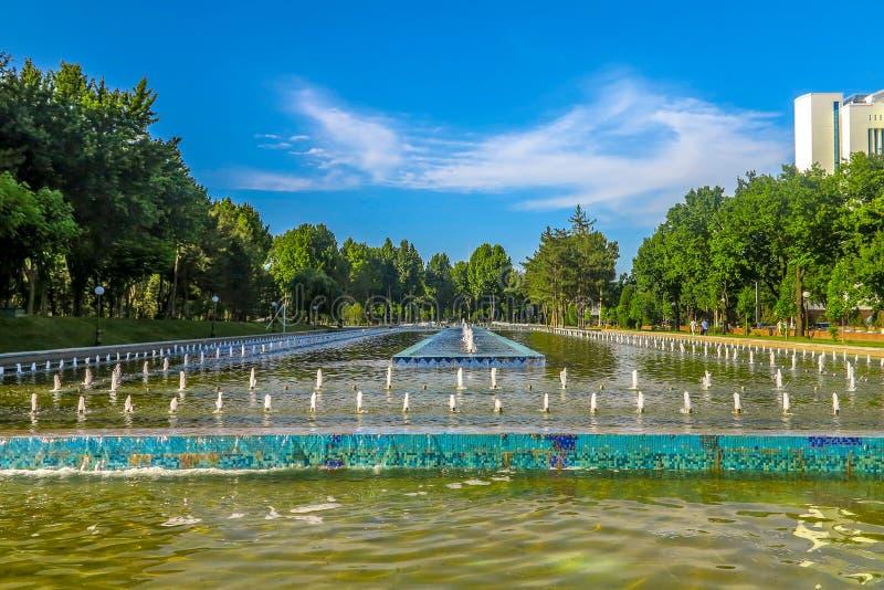 Tashkent Mustaqilliq Maidoni 09. Tashkent Mustaqilliq Maidoni Main Fountain Square Picturesque Breathtaking Leading Lines stock photo