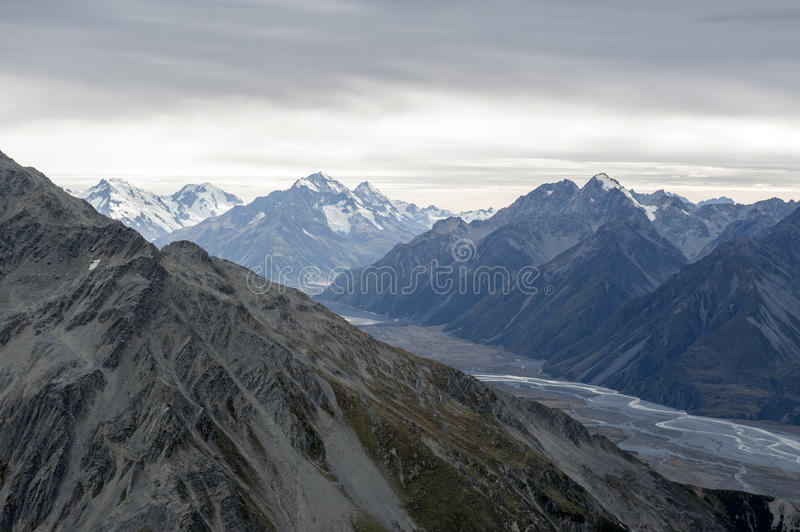 The Tasman River in Aoraki / Mount Cook National Park, flowing through the wide flat-bottomed Tasman Valley in the Southern Alps stock photography