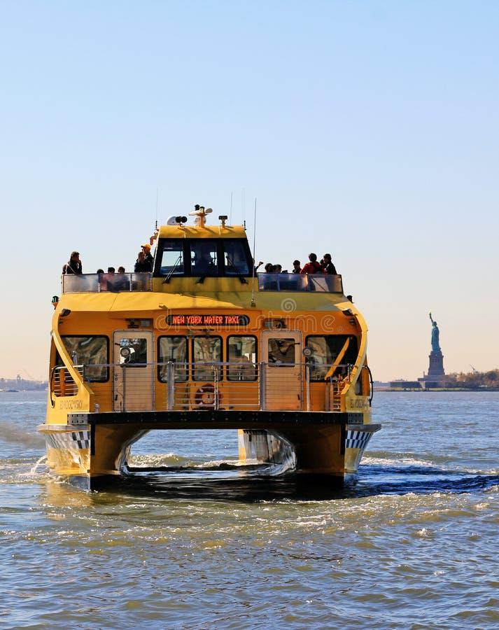 Tassì dell'acqua di NY fotografia stock libera da diritti