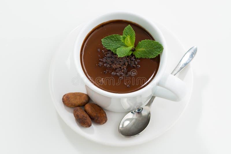 Tasse avec du chocolat en bon ?tat chaud sur la table blanche, vue sup?rieure images libres de droits