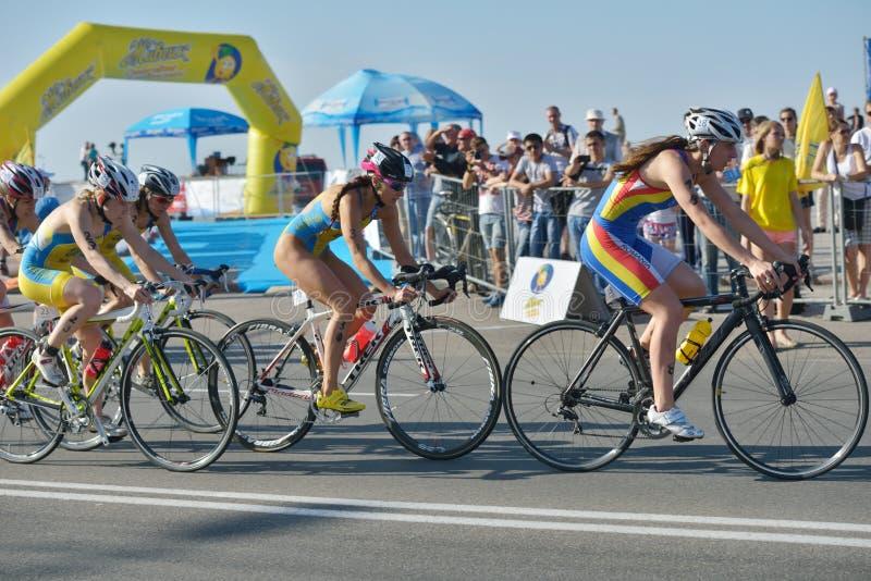 Tasse d'Européen de triathlon de sprint de Dniepropetovsk ETU photographie stock libre de droits