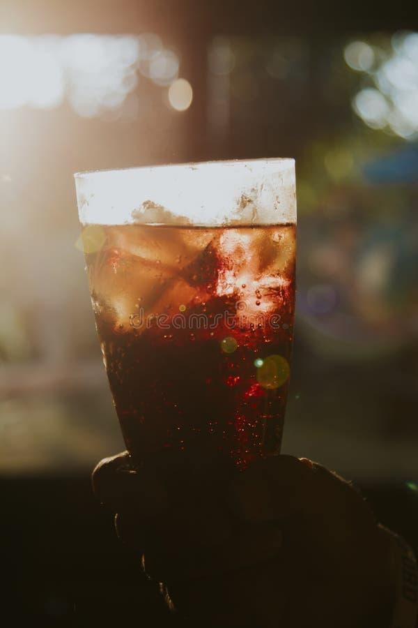 Tasse de boissons de kola image libre de droits