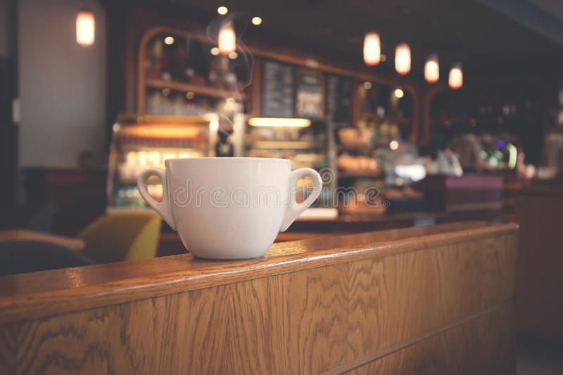 Tasse de café blanche au café photo libre de droits