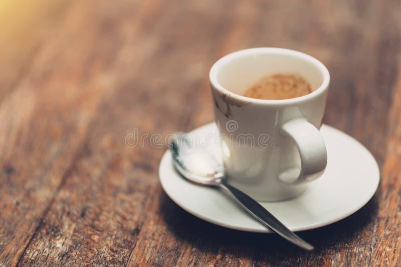 Tasse de café d'expresso pendant le matin photos libres de droits