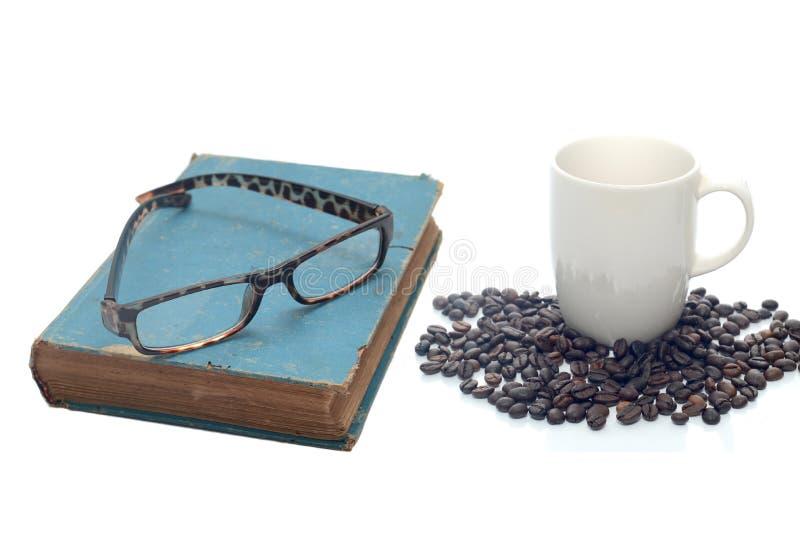 Tasse de café, de livre et de verres photo libre de droits