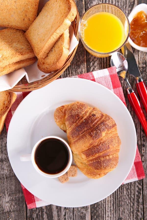 Download Tasse de café et croissant photo stock. Image du rupture - 45350136