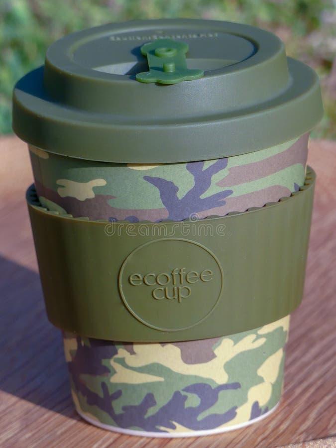 tasse de café Re-utilisable faite à partir de la fibre en bambou naturelle photo libre de droits