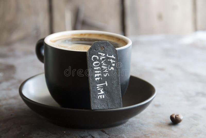 Tasse de café, texte photo libre de droits