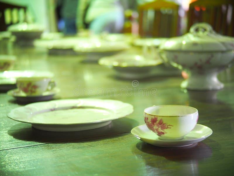 Tasse de café vide d'expresso de porcelaine images stock