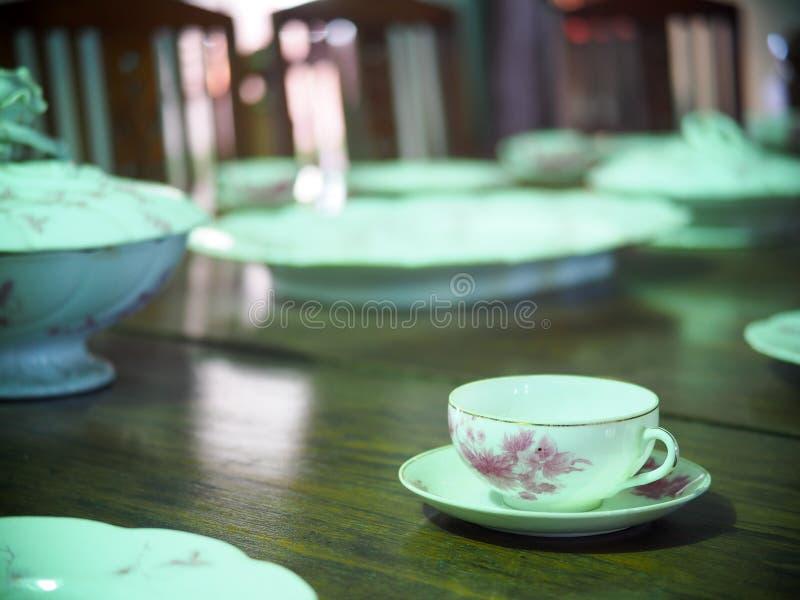 Tasse de café vide d'expresso de porcelaine image libre de droits