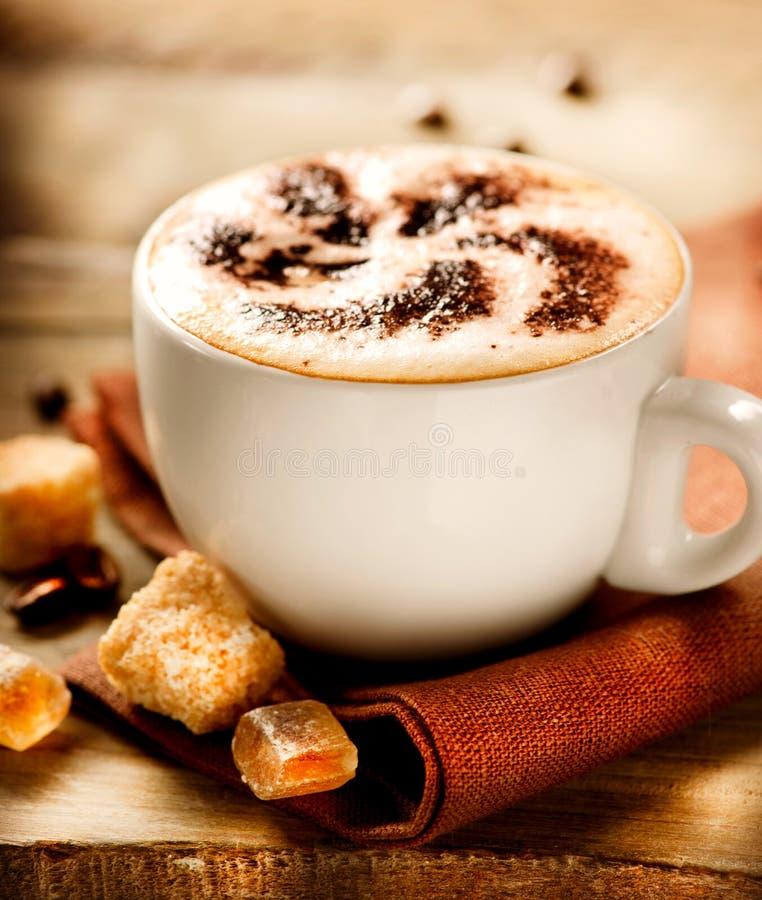 Tasse de cappuccino images stock