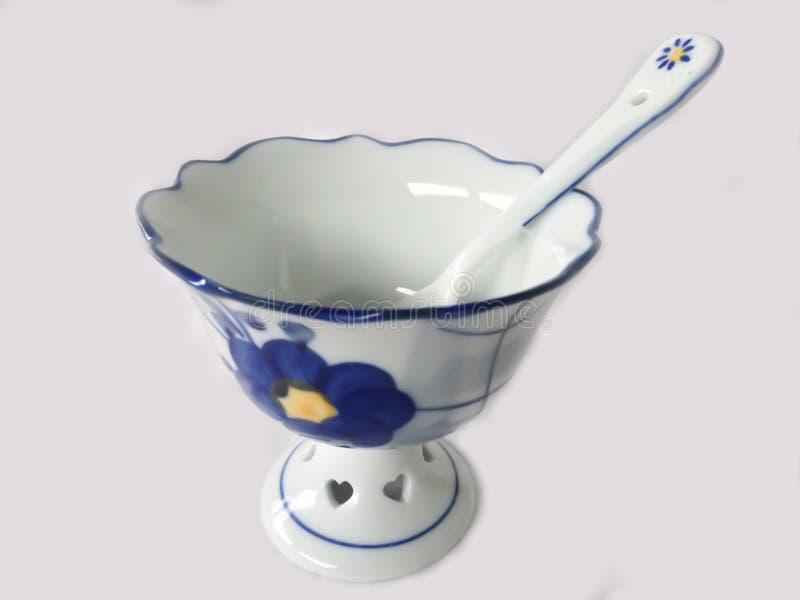 Tasse de crème glacée avec la cuillère photo stock