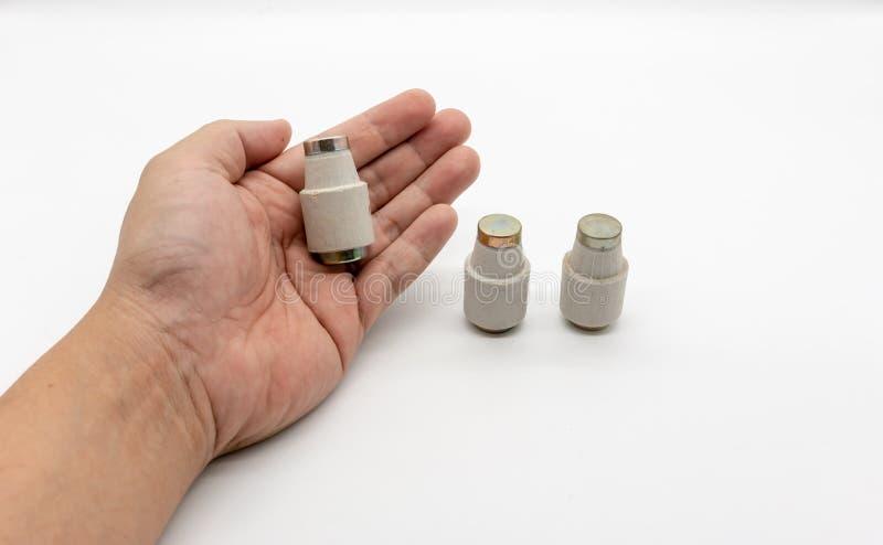 Tasse de fusible, fusible en céramique, fusible de cru sur le blanc images libres de droits
