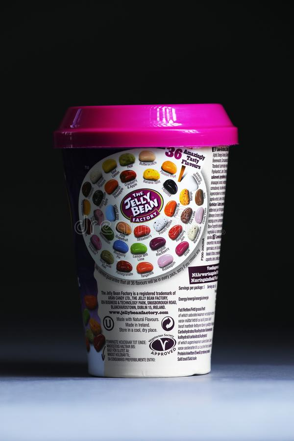 Tasse de Jelly Bean FacÂtoÂry de détaillant néerlandais Albert Heijn, d'isolement photo stock