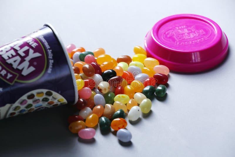 Tasse de Jelly Bean FacÂtoÂry de détaillant néerlandais Albert Heijn, d'isolement photographie stock libre de droits