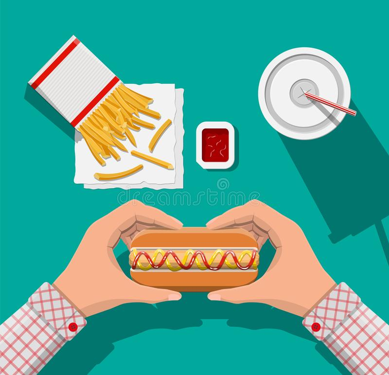 Tasse de kola avec les fritures et le hot-dog illustration libre de droits