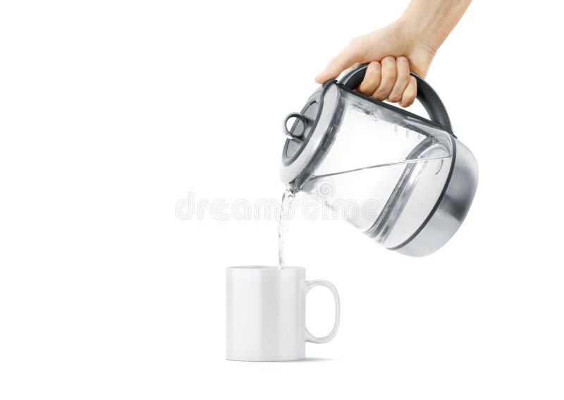 Tasse en céramique blanche de blanc avec la moquerie chaude de théière, d'isolement images stock