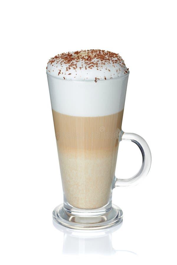 Tasse en verre de latte de café sur le blanc photo libre de droits