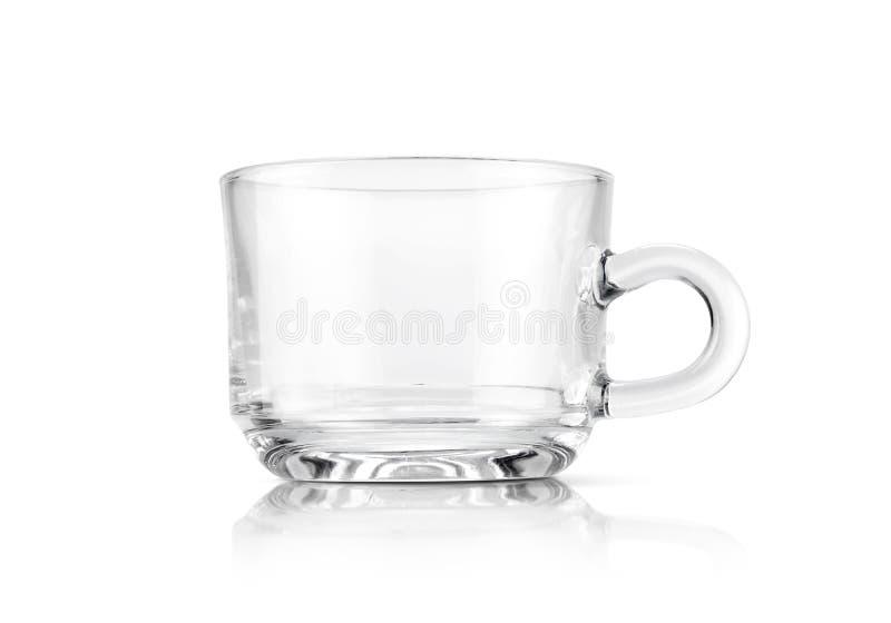 Tasse en verre transparente claire d'isolement sur le fond blanc photos stock