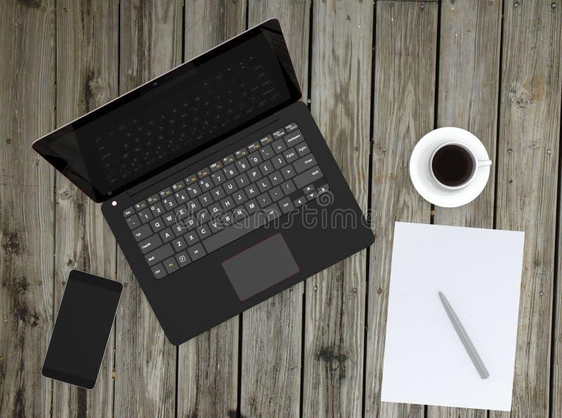 Tasse intelligente de téléphone, d'ordinateur portable et de café sur la plate-forme en bois photos libres de droits
