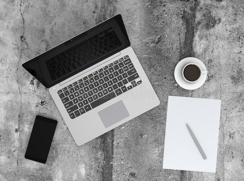 Tasse intelligente de téléphone, d'ordinateur portable et de café sur la terre concrète photos libres de droits