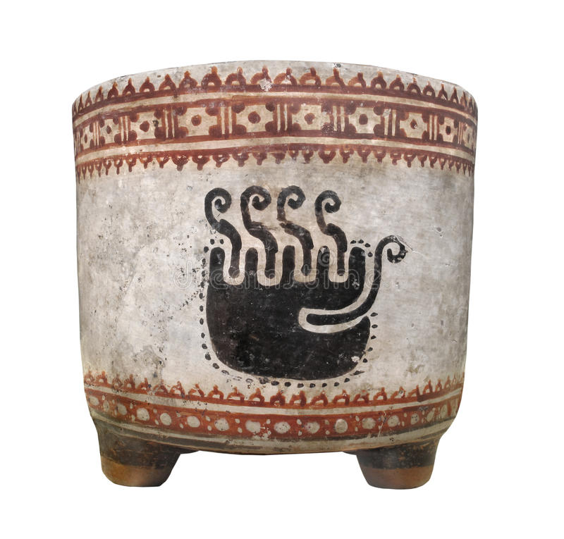 Tasse maya antique d'argile d'isolement. image stock