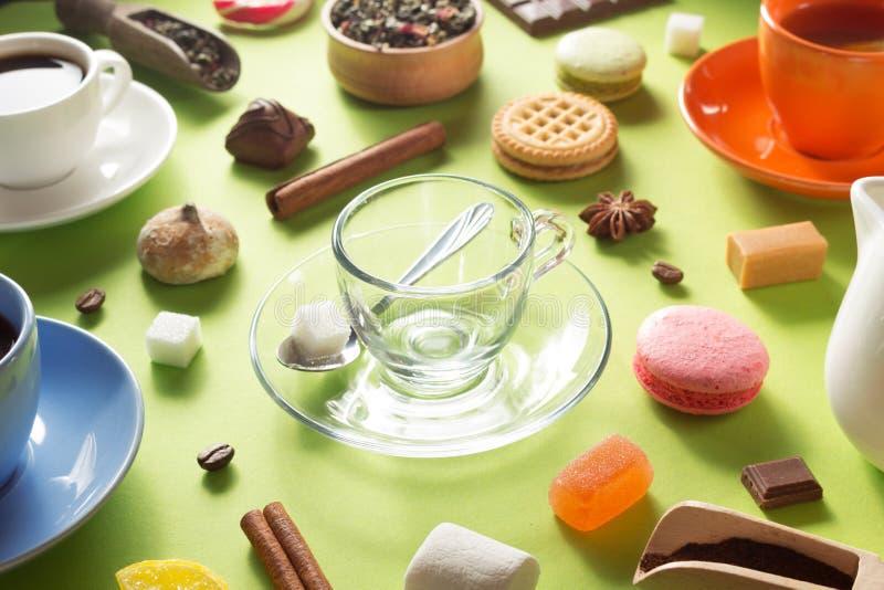 Tasse vide en verre de café images libres de droits