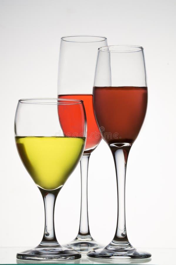 Tasses cristal de couleur photographie stock