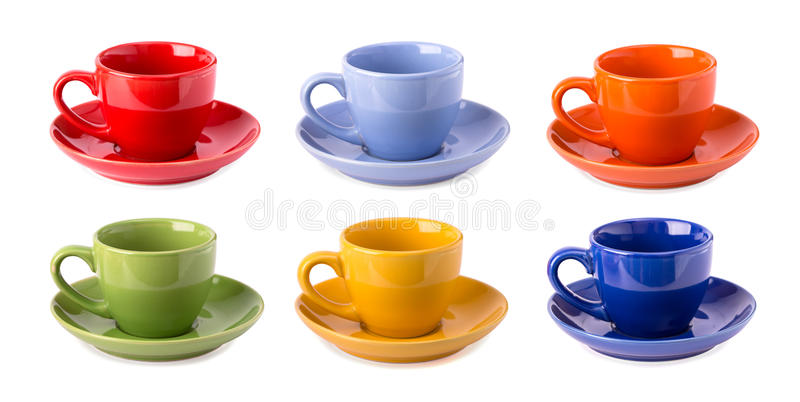 Tasses multicolores d'isolement images stock