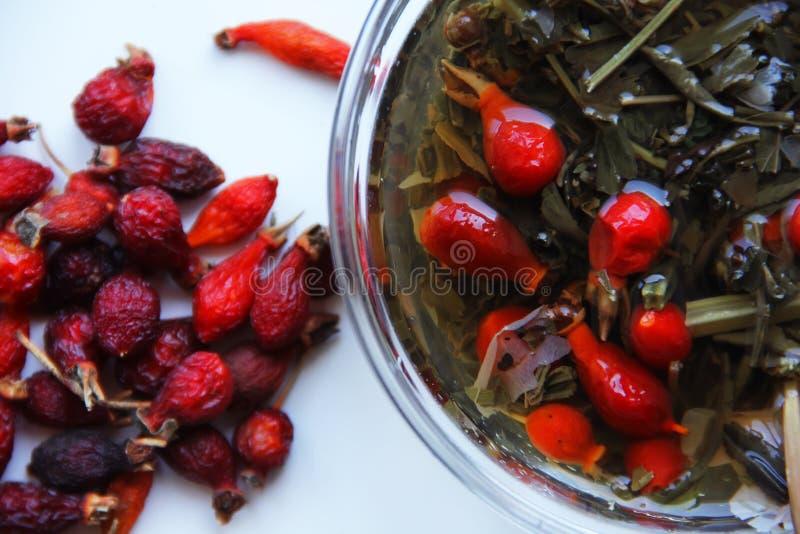 Tasses romantiques d'automne de thé images libres de droits