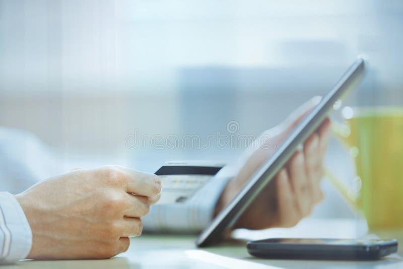 Tastatur und Maus gestalten Zurückstellung für Abschreibungen und zwanzig Dollarscheine lizenzfreies stockbild