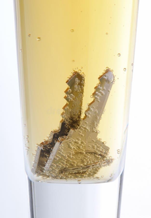 Tasten im Bier lizenzfreie stockfotografie