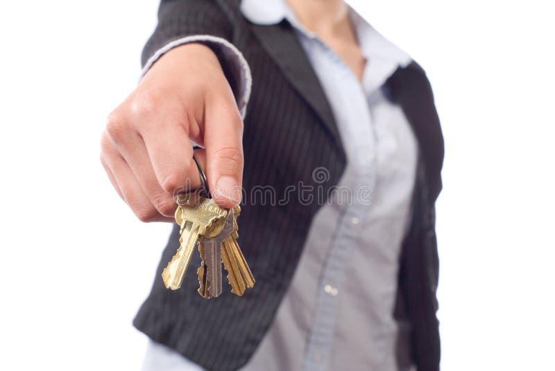 Tasti femminili dell'agente immobiliare immagine stock libera da diritti