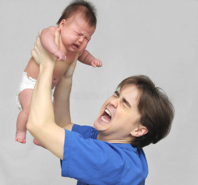 Tata krzyczeć i dziecko płacz obraz stock