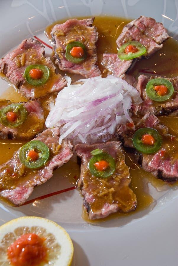 Tataki chamuscado de la carne de vaca fotos de archivo