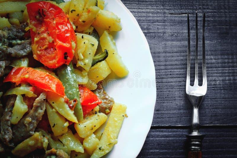 Tatar traditioneel voedsel - Azu stock afbeeldingen