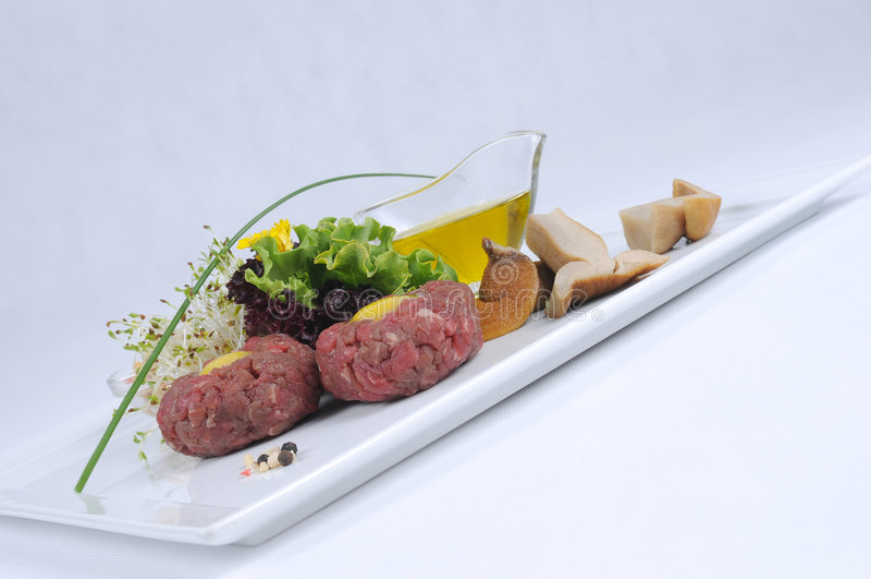 Tatare do bife da faixa da carne fotografia de stock