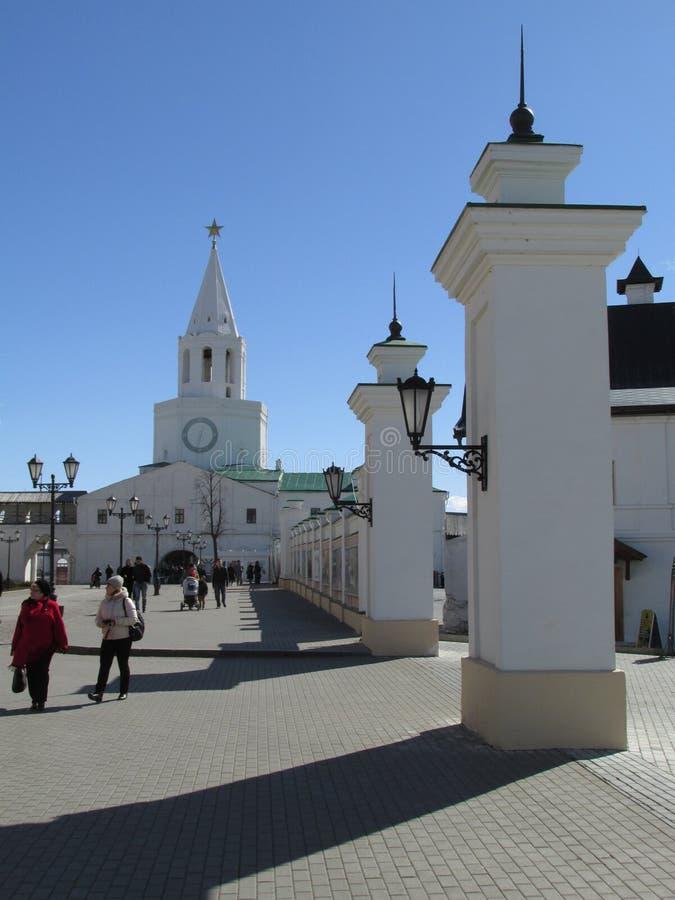 Tatarstan De belangrijkste toren van Kazan het Kremlin, de mening van de binnenkant stock afbeelding
