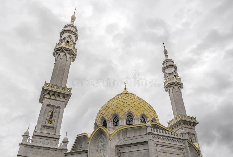 TATARSTAN ROSJA, LIPIEC, - 11, 2015: Biały Mosquei w mieście Bolgar, Tatarstan, Rosja obrazy stock
