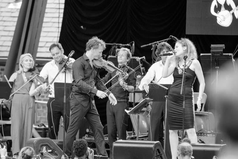 Tatiana Eva-Marie u. Avalon Jazz Band lizenzfreie stockfotografie