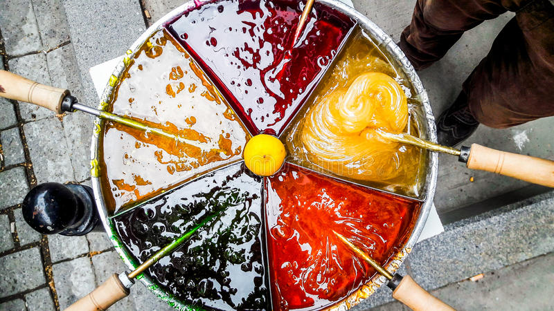Tatlisi turc de macun de pâte de tabouret de dessert de rue photo libre de droits