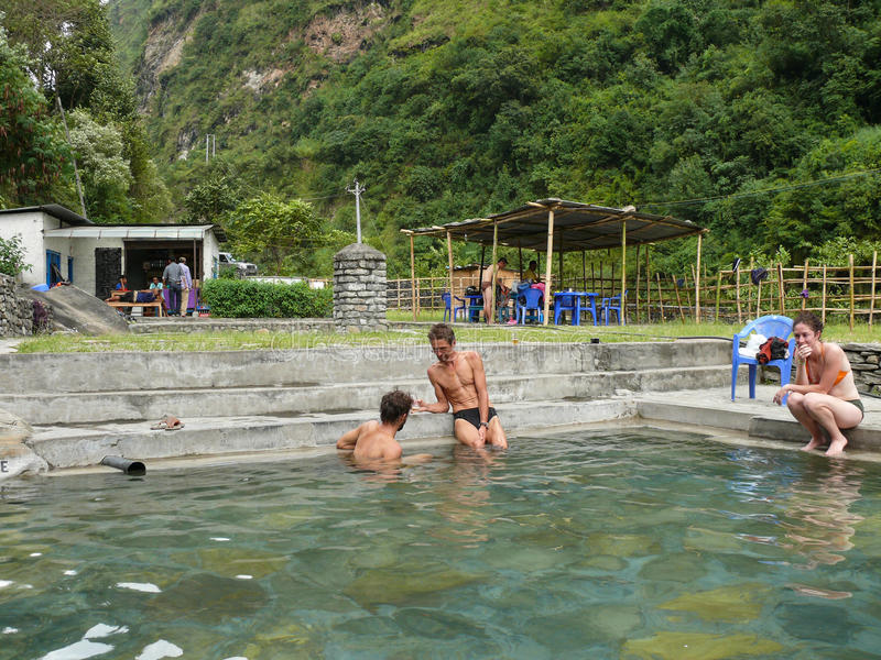Tatopani浴,尼泊尔 库存照片