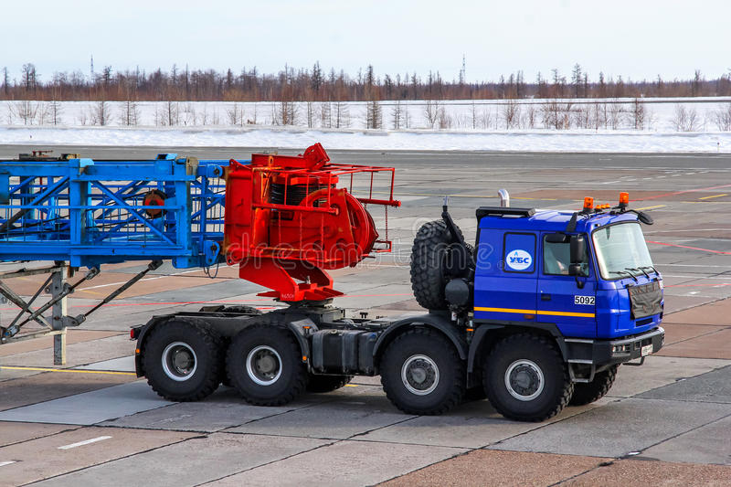 The Heavy-duty Vehicle-trailer Editorial Photography - Image