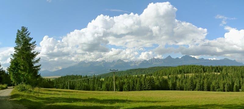 Tatras alto Eslováquia e o panorama dos picos fotos de stock royalty free