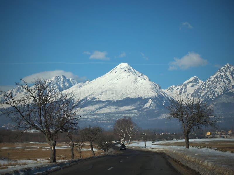 Tatras alto /Vysoke Tatry/montanhas é situado em Eslováquia fotografia de stock royalty free