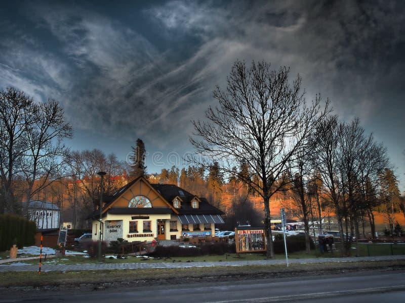 Tatras alto /Vysoke Tatry/montanhas é situado em Eslováquia fotos de stock royalty free