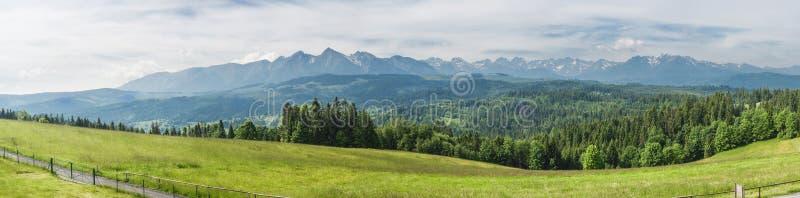 Tatras-Hügelpanorama lizenzfreie stockbilder